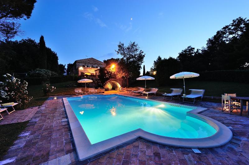 Luxury Villa for 16p in Marche countryside - Image 1 - Montemaggiore al Metauro - rentals