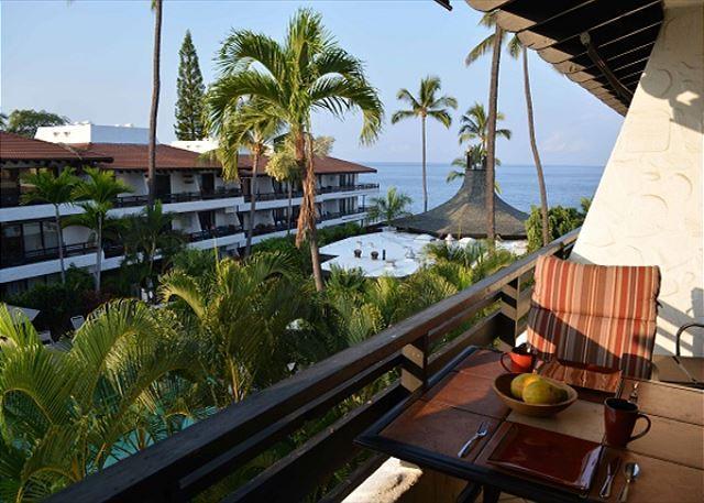 Casa de Emdeko 327- Top Floor Ocean View - AC Included! - Image 1 - Kailua-Kona - rentals