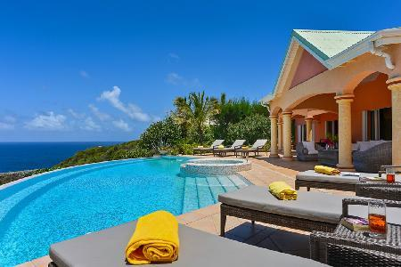 Sea Bird villa on exclusive estate with sunny terraces, large pool and Jacuzzis - Image 1 - Mont Jean - rentals