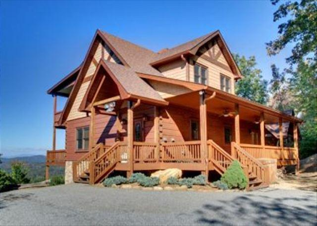 Entry View - AWESOME LONG RANGE MTN VIEW, HOT TUB, WOOD BURNING FIREPLACE, POOL TABLE - Mineral Bluff - rentals