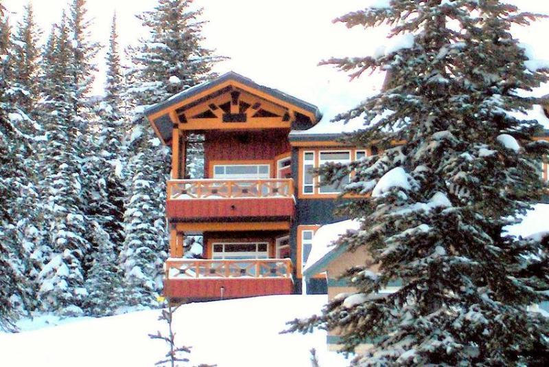 THE BEST TRUE SKI IN SKI OUT LOCATION IN BIG WHITE - TRUE Ski IN and Ski OUT - Big White - rentals