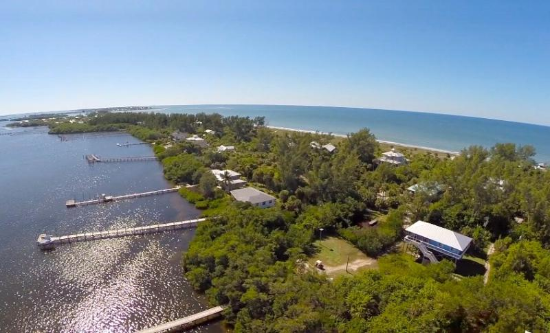 Overlooks the bay but just steps to the beach! - Seagrape Escape!   Bayview Beauty + FREE Kayaks! - Little Gasparilla Island - rentals