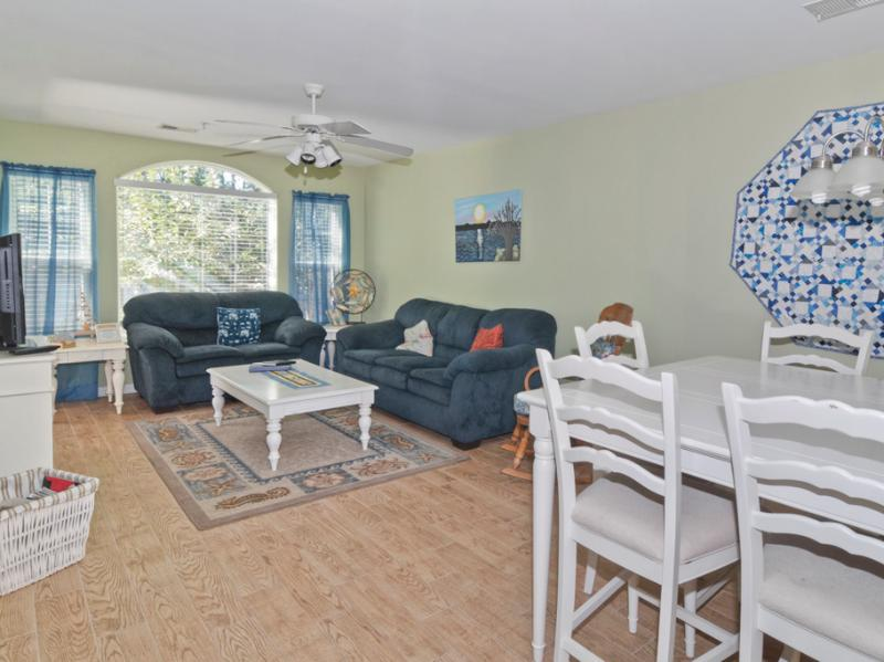 Open living and dining rooms offer plenty of space to spread out and relax - Pools/Hot Tubs-5 min to Beach-WiFi-Family Friendy - Pawleys Island - rentals