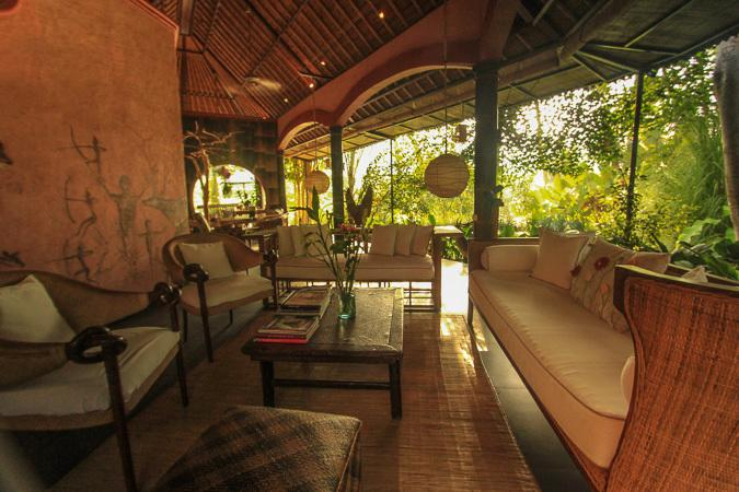 Living Area/Gallery - An Artist Retreat in Ubud, Bali: Rumah Tamu - Ubud - rentals