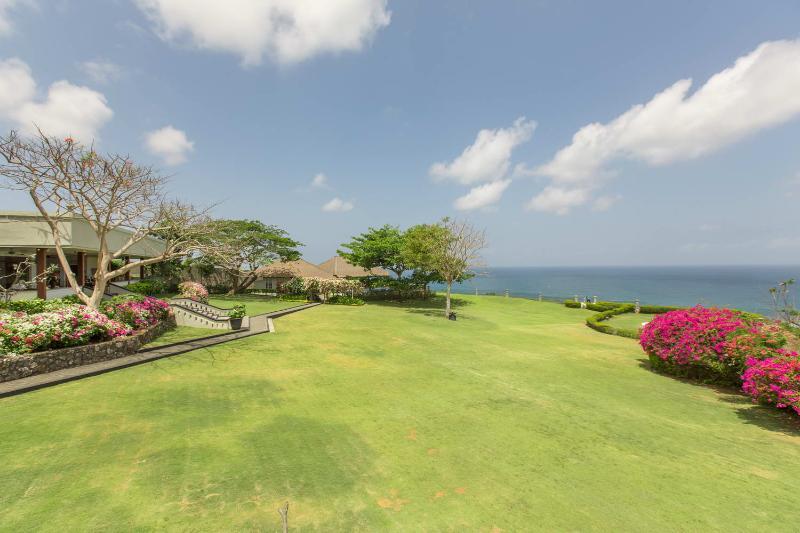 Villa Karang Putih - The Ocean View Wedding Villa - Image 1 - Ungasan - rentals