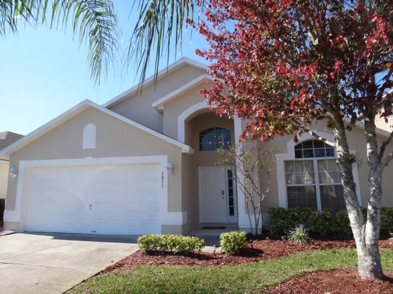 Lake Berkley Magic, Vacation House with a Pool - Image 1 - Kissimmee - rentals
