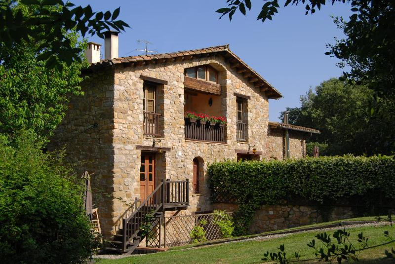 Can Cruanyes - A perfect blend of history and nature - Restored Farmhouse w/ Pool and Mountain Views (2) - Province of Girona - rentals