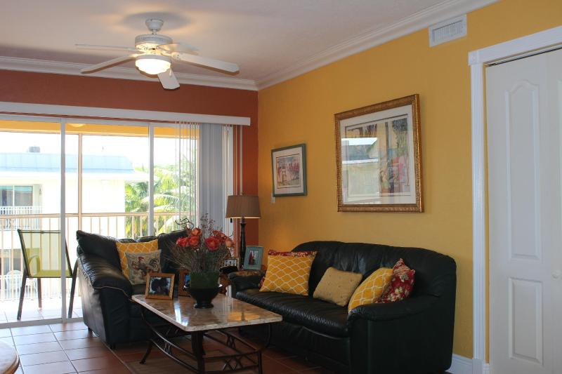 Key Biscayne Charming Apartment Steps From  Beach - Image 1 - Key Biscayne - rentals