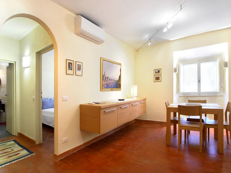 Florence centre, 1 bedroom, WIFi, A/C (Terme 02) - Image 1 - Florence - rentals