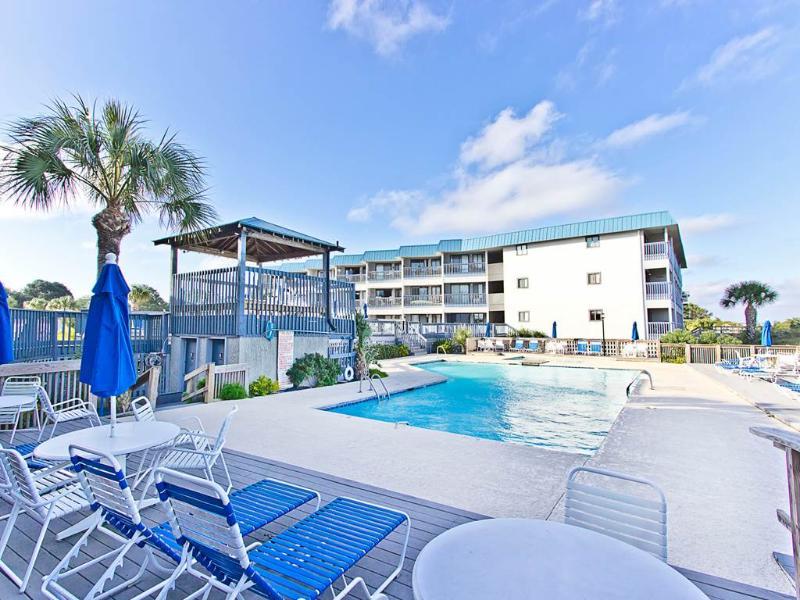 Beach Racquet A228 - Image 1 - Tybee Island - rentals