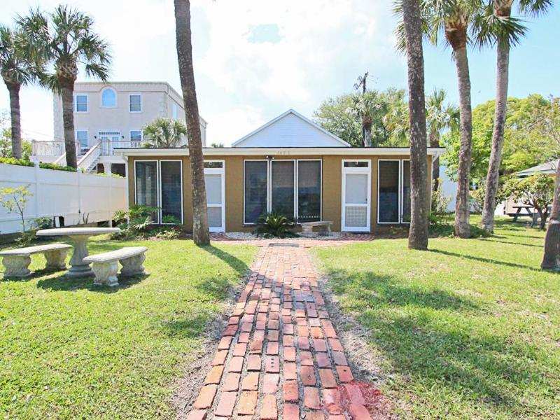 Captains Quarters B - Image 1 - Tybee Island - rentals