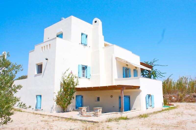 Seaside Villa Dimitra ,Plaka beach, Naxos Island - Image 1 - Naxos - rentals