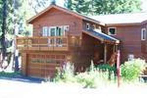front of this large comfortable family home - Bonners Hide Away - hot tub, close to Tahoe City - Tahoe City - rentals