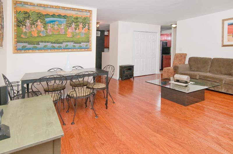 Nice 3 bedroom 1bath mins to Times Square - Image 1 - New York City - rentals