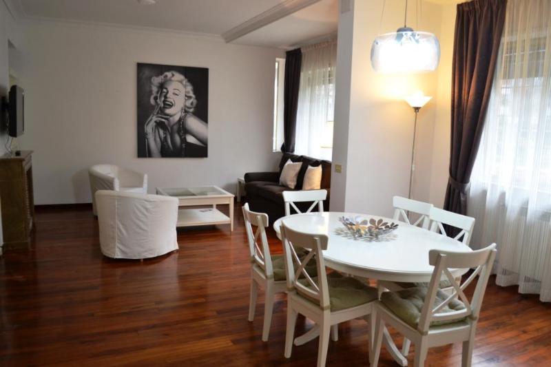 HUGE LIVING ROOM - AUTUMN DISCOUNT - ELEGANCE, A/C, WIFI, SAT TV - Rome - rentals