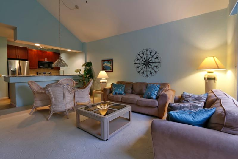 Living/dining room with soaring cathedral ceiling - REMODEL COMPLETE(Studio,2 BR option also possible) - Wailea - rentals