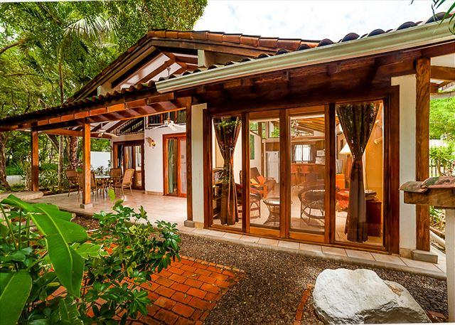 Exterior covered patio - Charming beach cottage- private patio, shared pool, BBQ, across from beach - Tamarindo - rentals