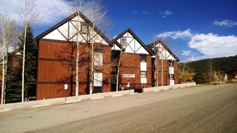 3 BR/ 2 BA Condo, WiFi, Balcony, 3 Blocks to Lift - Image 1 - Angel Fire - rentals