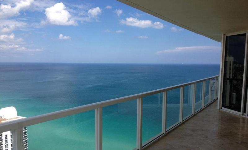 Yes, this is real! - AMAZING OCEAN VIEWS! GORGEOUS OCEANFRONT CORNER! - Sunny Isles Beach - rentals
