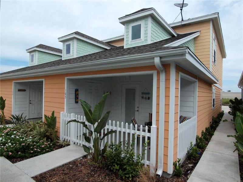 PB105-The Surf Shack - Image 1 - Port Aransas - rentals