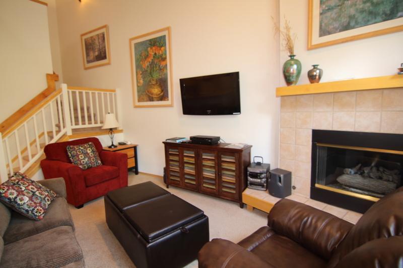 Family Room - 3BD: Hot Tub, Pool, Grill, W/D. July $209/nt - Breckenridge - rentals