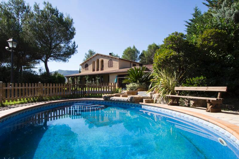 Five-bedroom villa in Vacarisses for 10-12 people just outside of Barcelona - Image 1 - Vacarisses - rentals