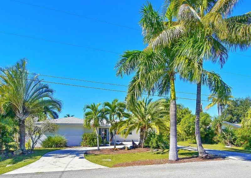 Vero BEACH Lakeview with Low Rates - Image 1 - Cape Coral - rentals