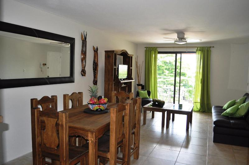 WOW!! Wonderful condo steps to beach & 5th ave. - Image 1 - Playa del Carmen - rentals