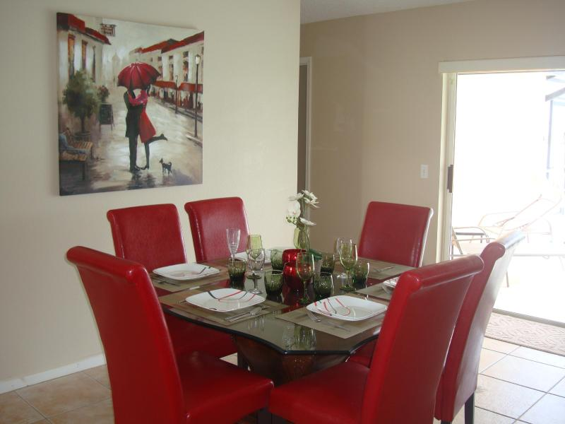 3 Bedroom Sunset Villa, Charming Home with Tennis Court and WiFi - Image 1 - Orlando - rentals