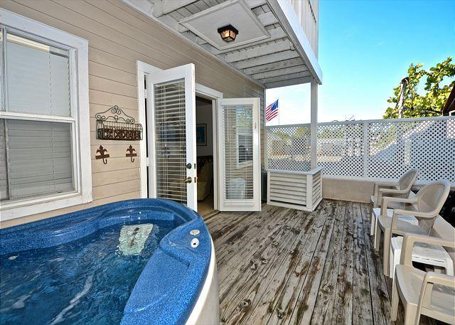 """""""CASA DE MANGO @ DUVAL SQUARE"""" 2-Story Condo w/ Pvt Hot Tub & Balcony - Image 1 - Key West - rentals"""