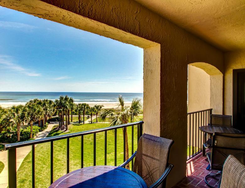 Fabulous beachfront three bedroom three bath condo - Image 1 - Amelia Island - rentals