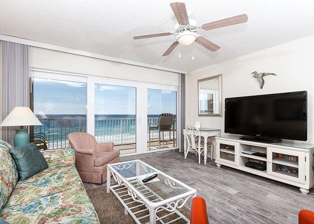 Outstanding views from the 6th floor beach front condo! New floo - Condo #6011:Amazing Gulf view! Kitchen, w/d, WiFi, DVD, pool, FREE BCH SVC - Fort Walton Beach - rentals