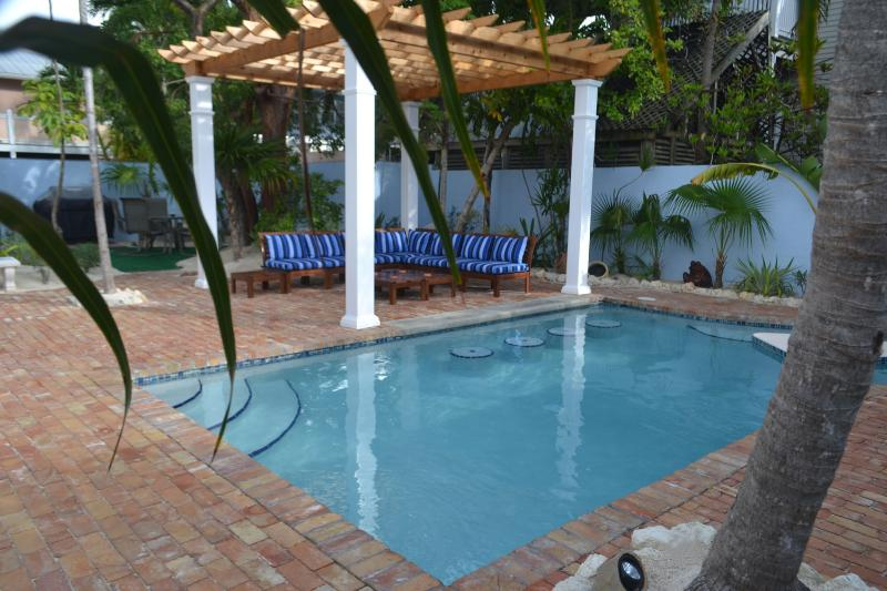 Bahama House Pool and Courtyard - Best Location, 1/2 Block to Duval, Bimini Suite - Key West - rentals