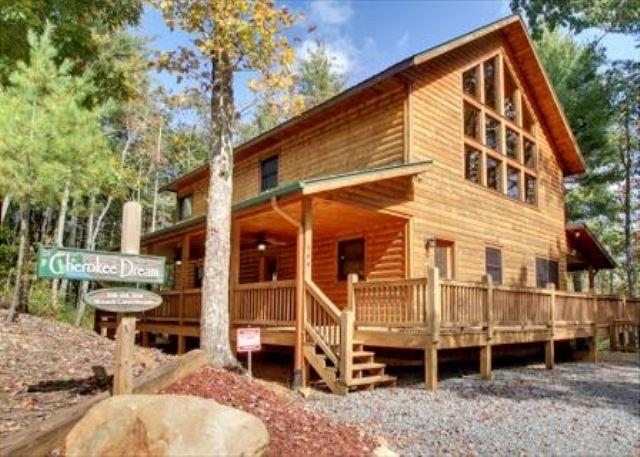 CHEROKEE DREAM - SECLUDED MTN VIEW, POOL TABLE, AIR HOCKEY, FIRE PIT, SCREENED PORCH - Epworth - rentals