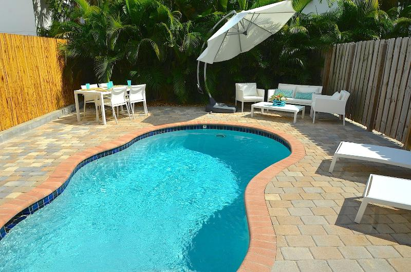 Spectacular Private Oasis Offering Heated Pool, Outdoor Dining & Relaxing Lounge Area... - 5 STAR NEW 4BR/4BA HEATED POOL HOME 2 BLK TO BCH! - Lauderdale by the Sea - rentals