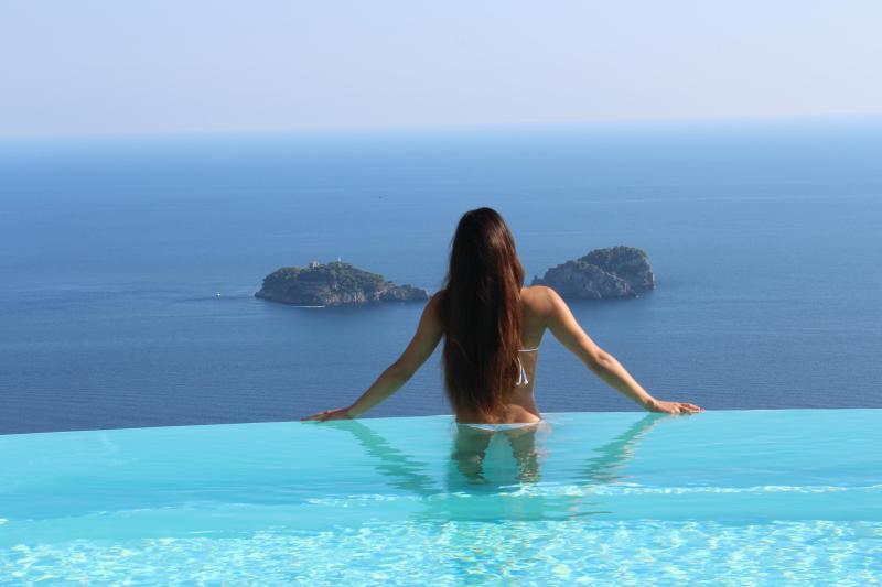 Villa Miragalli infinity pool on Amalfi coast and Li Galli Isles - Villa Miragalli,Infinity pool on the Amalfi coast - Sorrento - rentals