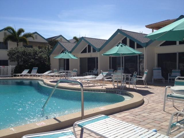Coconuts Poolside Unit 104 - Image 1 - Holmes Beach - rentals