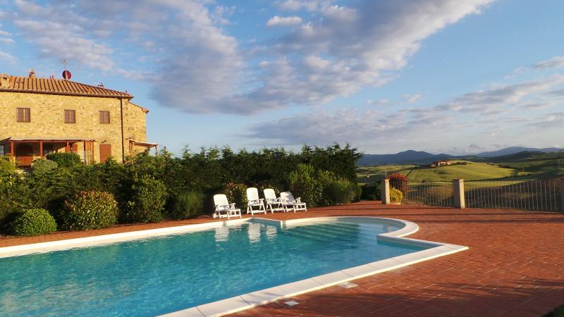 Poolside at sunset - Beautiful condo in Tuscan countryside.  Sleeps 8 - Pisa - rentals