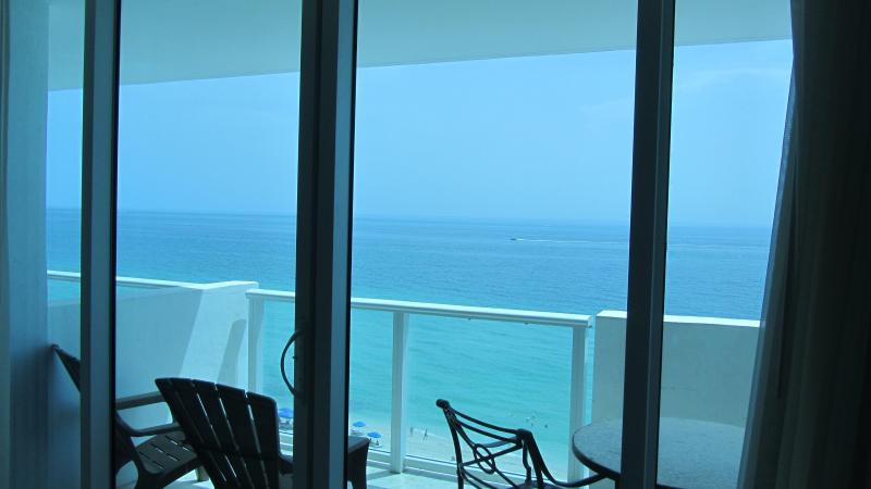 Resort Ocean-View Studio with Balcony and Parking - Image 1 - Miami Beach - rentals