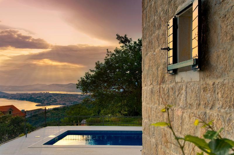 VILLA GORICA , Luxury villa with pool - Image 1 - Podstrana - rentals