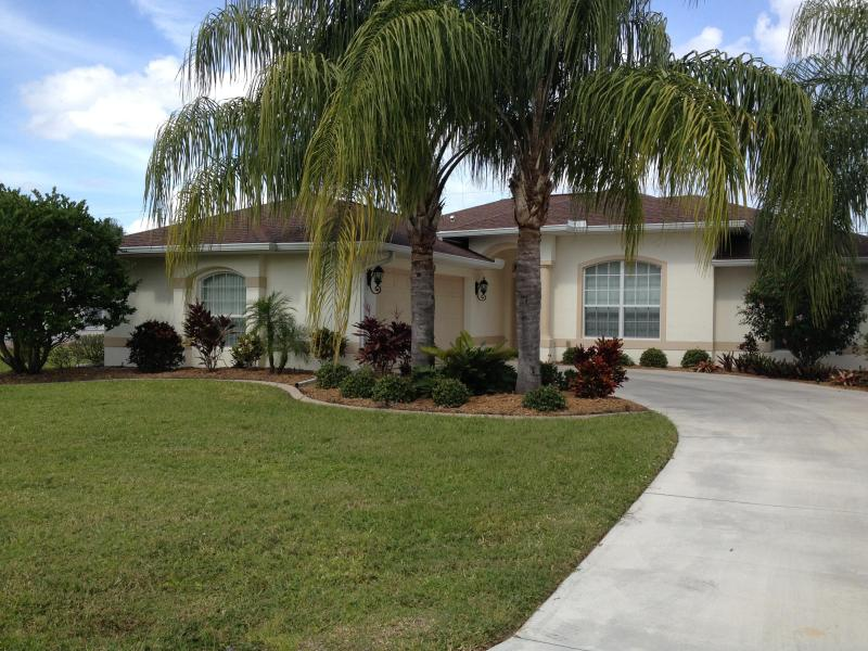 Beautiful 3 bedroom home in Southwest Florida - Image 1 - Port Charlotte - rentals