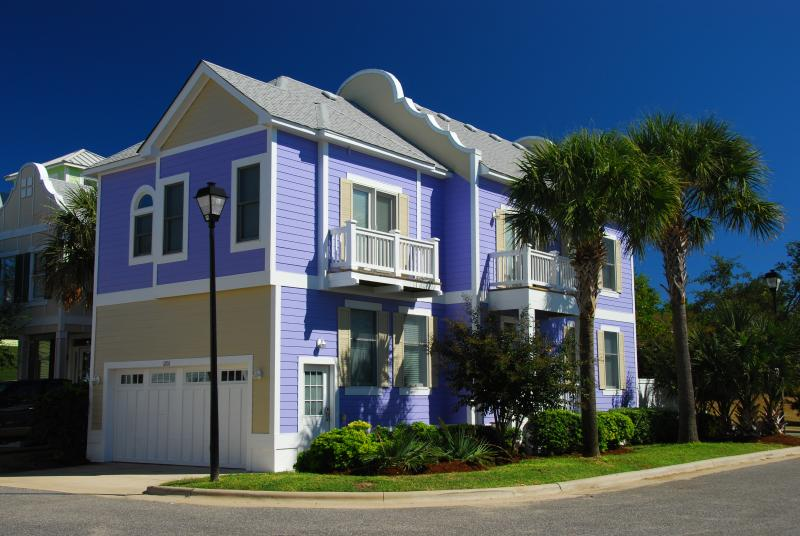 Vacation Home Exterior - Bermuda Bay 3 Bedroom Home w/ Resort Waterpark - Kill Devil Hills - rentals
