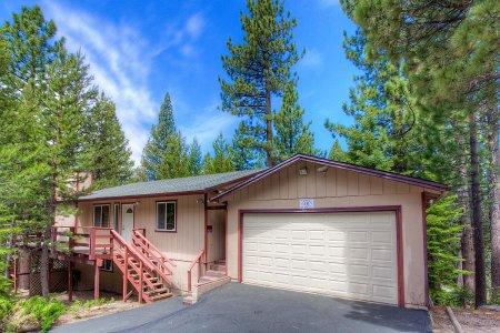 Secluded 5 bedroom/ 2 bath house- COH1046 - Image 1 - South Lake Tahoe - rentals