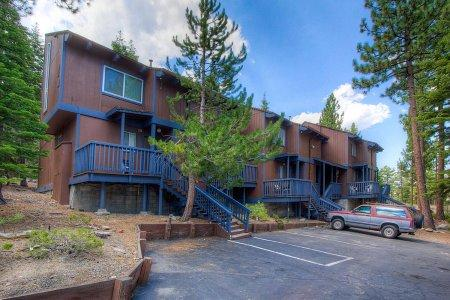 Classically elegant Honeymoon condo near the slopes - HCC0627 - Image 1 - South Lake Tahoe - rentals