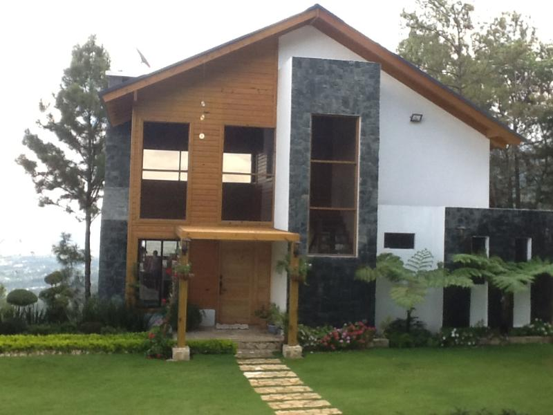 Fachada - New and Elegant Villa for Rent in Jarabacoa - Jarabacoa - rentals