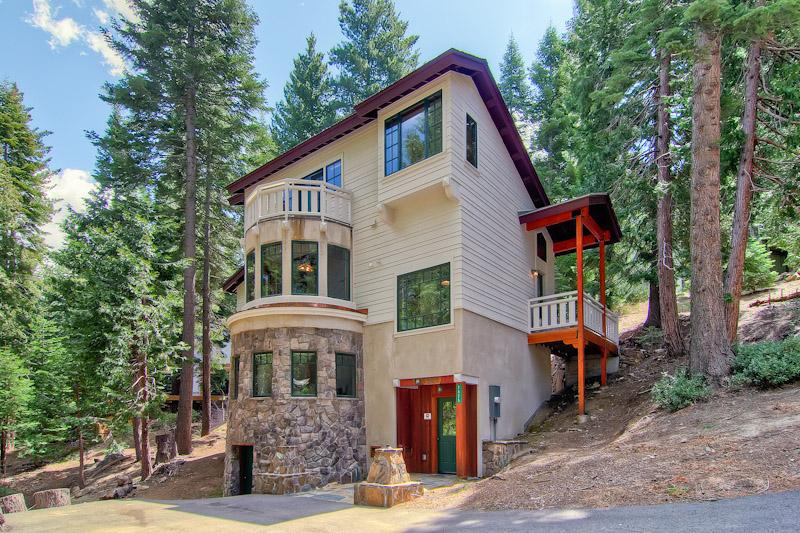 Ahwanichi Lodge In Yosemite - Minutes to Valley! - Image 1 - Yosemite National Park - rentals