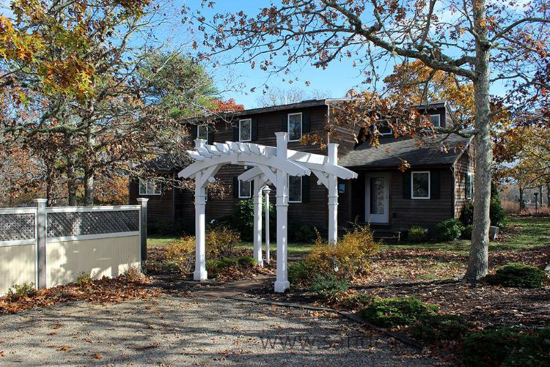 236 - LOVELY WATERFRONT HOME OVERLOOKING EDGARTOWN GREAT POND - Image 1 - Edgartown - rentals
