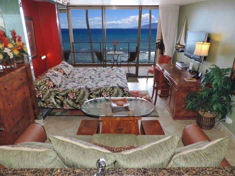 Your Oceanfront Luxury Vacation Rental! - Nov 5-11 Special! Luxury Oceanfront Mahana King - Lahaina - rentals