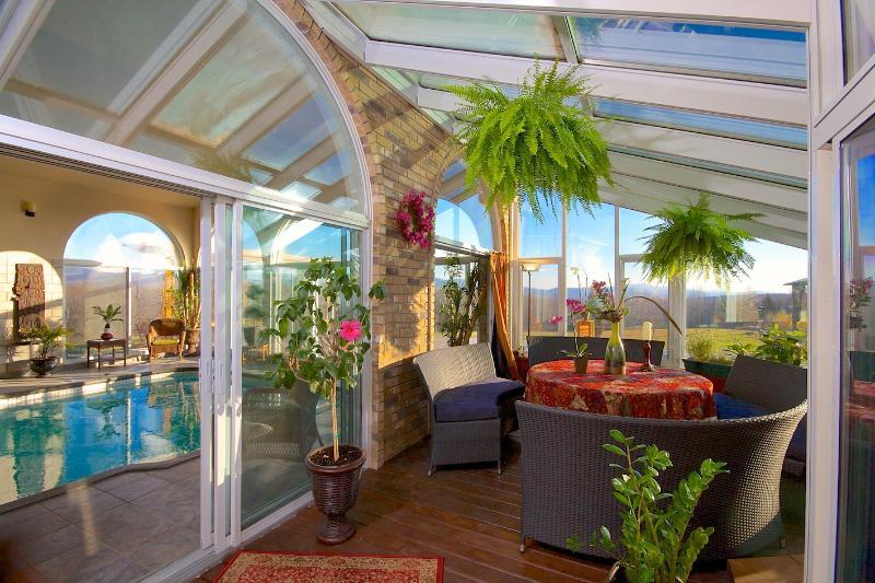 VERANDA - LIVING ROOM - GAME ROOM - VILLA RANCH SUTTON MAGICAL FOR WEDDING AND PARTY - Sutton - rentals