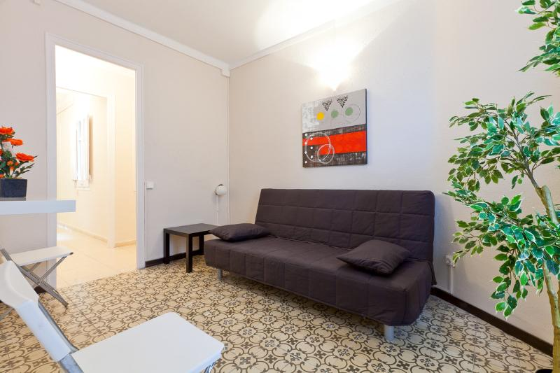 1693 - Center Aragó Apartment IV - Image 1 - Barcelona - rentals